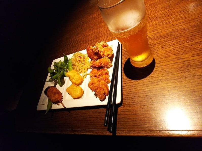 相席屋お初天神店での食事風景の写真