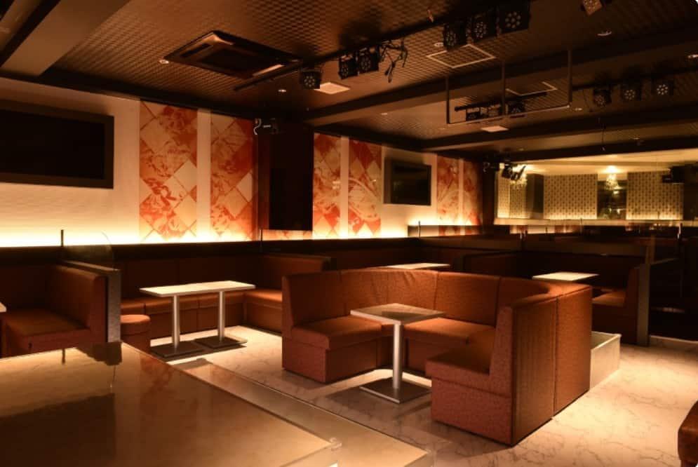 松山のキャバクラ5:Show case lounge-Re.(ショーケースラウンジ リー)